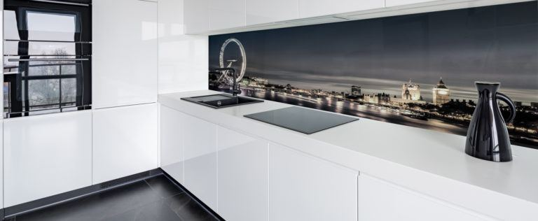 Top 3 benefits of using glass splashbacks for your kitchen