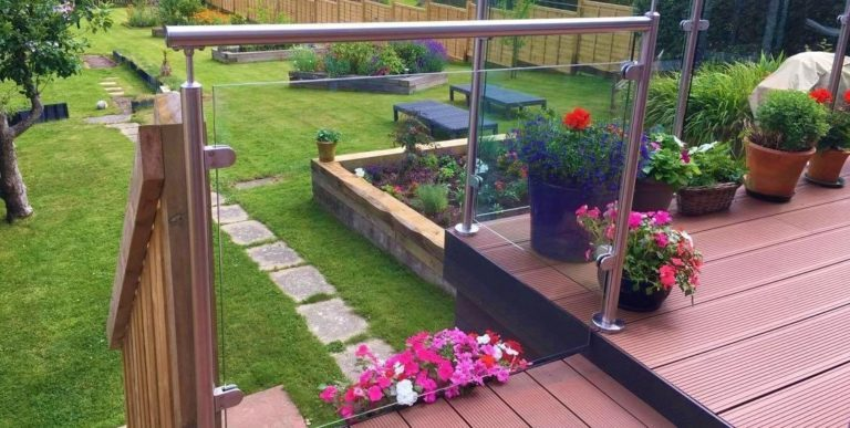 How to enhance your garden with glass balustrades