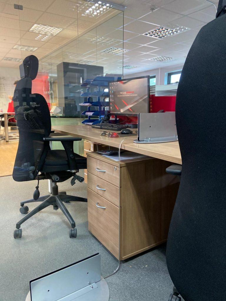 Office Desk Screens – Sneeze Guard